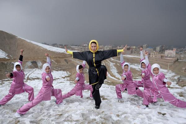 阿富汗少女组团练习中国功夫 防身自卫解放灵魂