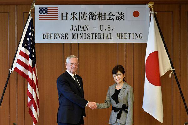 日本防长稻田朋美与美国防长马蒂斯会晤