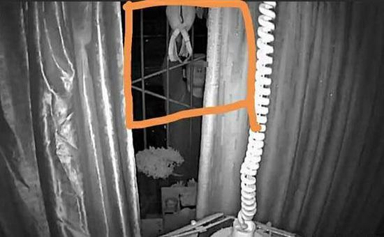 女子内衣晾阳台频繁被盗 监控拍下一男子身影