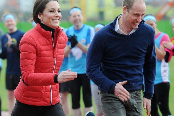 英王室成员参加马拉松训练活动 威廉王子与爱妻比赛跑