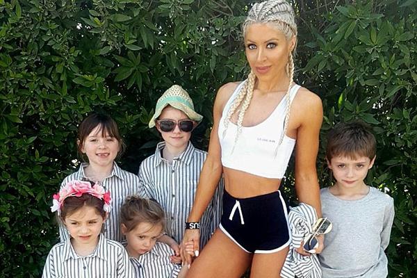 不敢相信!英国辣妈身材超性感 已生育5个孩子