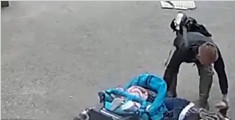 实拍女子遭天降水泥板砸头 婴儿幸运躲过一劫