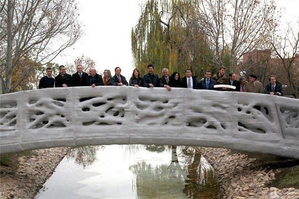 世界首座3D打印桥梁亮相西班牙