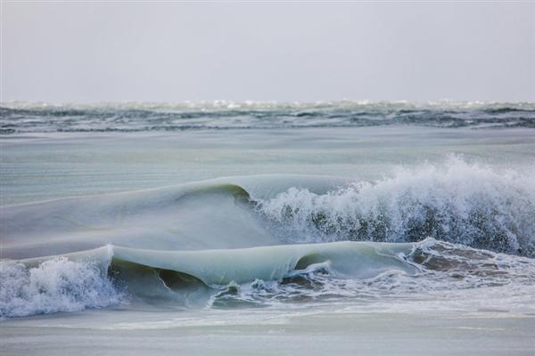海浪成冰雕!美国迎81年来最冷冬天