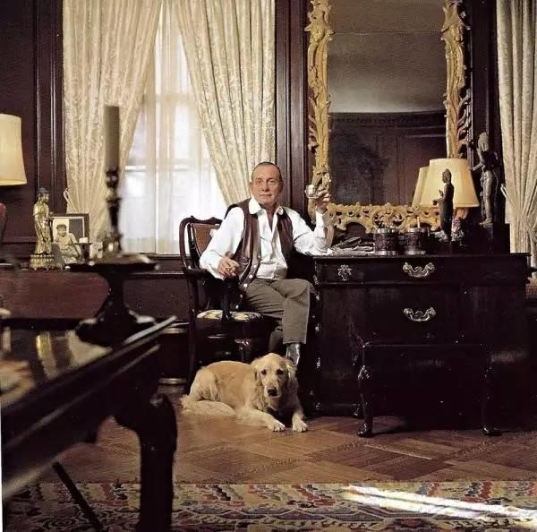 """他是""""中国古董教父"""",家中的收藏富可敌国,1980年装修的华美大宅至今惊艳世界!"""