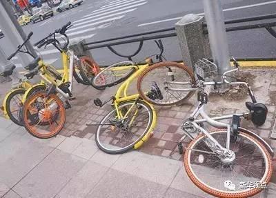 乱停乱放随处见 共享单车怎么管?