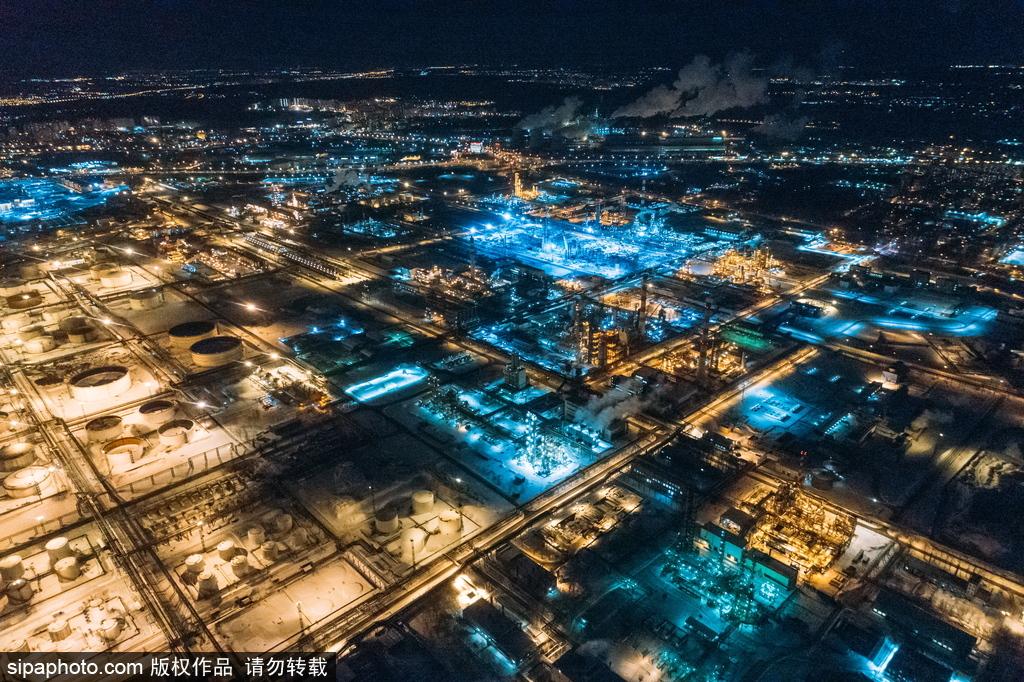 莫斯科城市夜景 车水马龙灯火通明