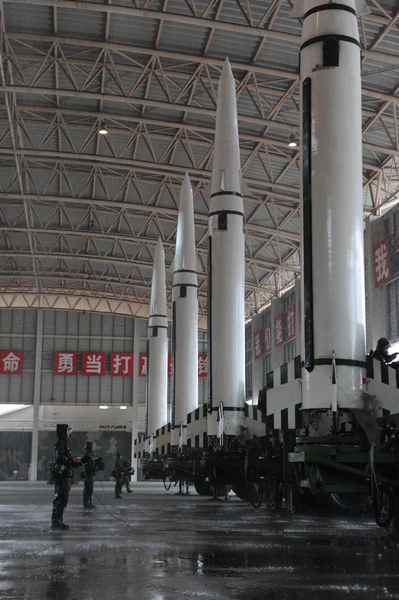 火箭军苦练先发制人打美军基地?中方专家回应