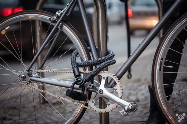 柔能克刚 布条做的自行车锁超级安全