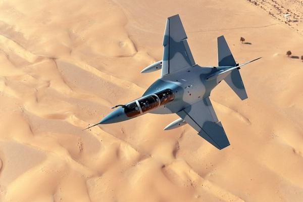 雷声退出 T-100 喷气训练机项目:Leonardo 宣布继续单干