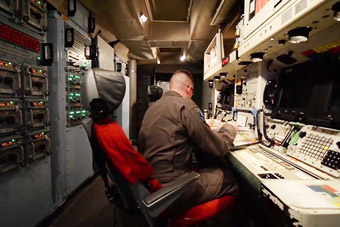 美军洲际导弹发射控制台随便看