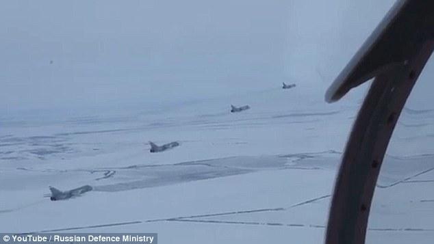 飞行员眼中的世界什么样?俄空军发布实弹演习视频
