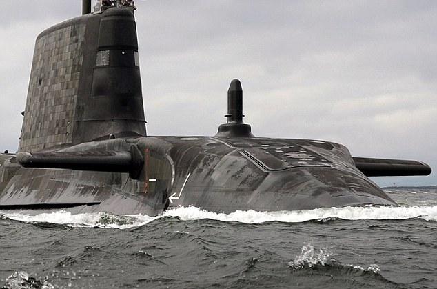 英国7艘核潜艇被曝全部停工 可首相却还一无所知