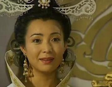 戴春荣,演王母娘娘,她还演过《还珠格格》的皇后娘娘,看出来了没