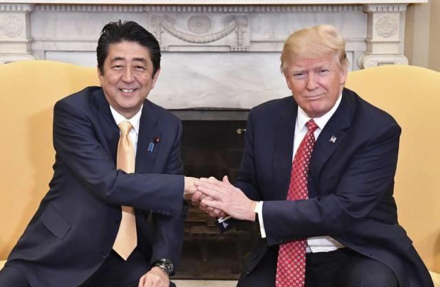 社评:东京对美跪拜和对华张狂都不真实