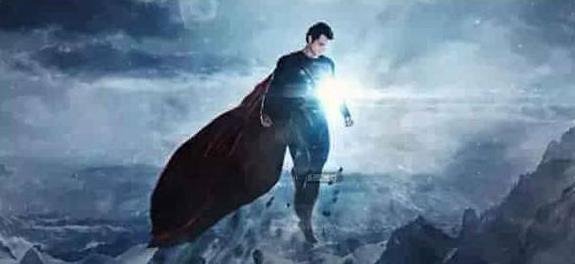 穿上紧身连体衣跳水更灵活 真正的超级英雄