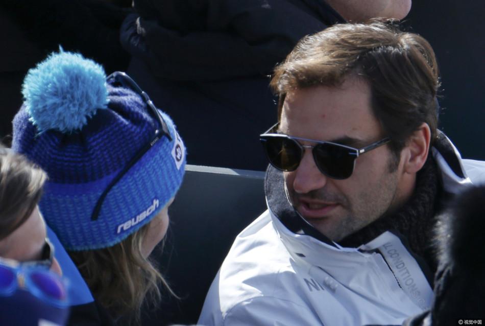 费德勒夫妇观看高山滑雪世锦赛