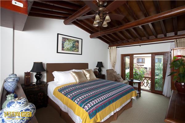 """在北京最""""富贵""""的胡同 睡一张10万元的床!"""