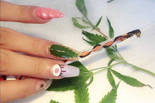 """""""大麻美甲""""风靡社交媒体 专家担心大麻被""""美化"""""""