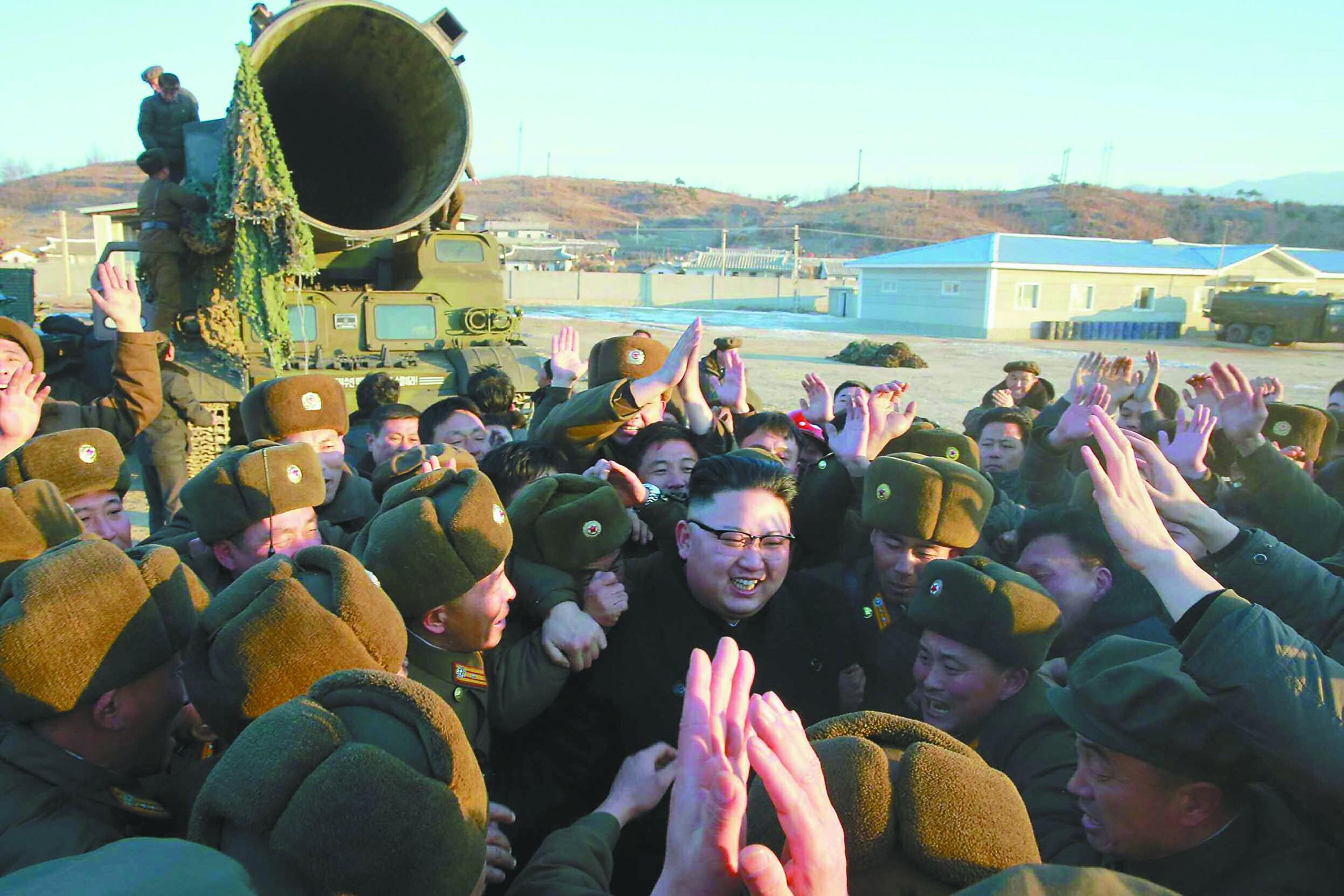 朝鲜宣布称弹道导弹成功发射 金正恩表示满意