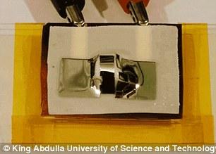 007标配!科学家发明10秒内自毁手机