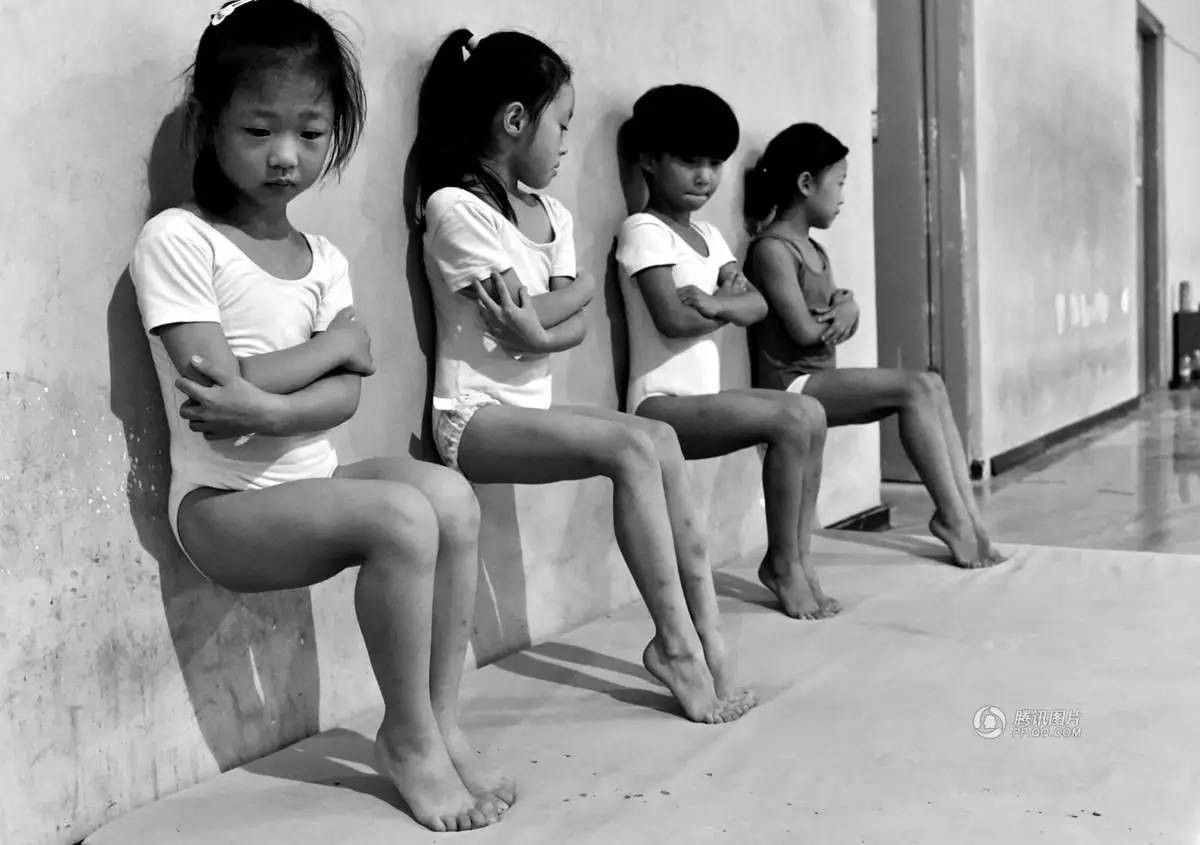 这位中国摄影师拍的照片获2017荷赛奖,他拍的还是体操…
