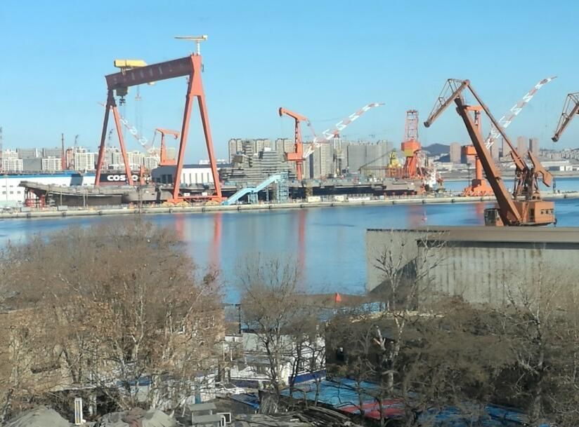中国被曝至少将造5艘航母 性能指标将向美军看齐