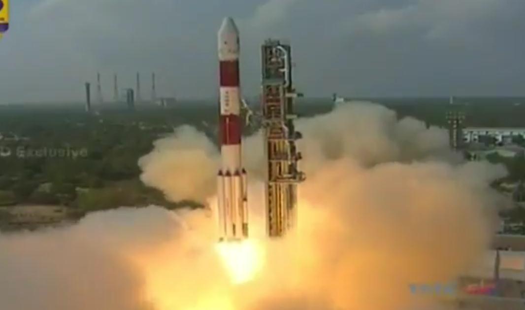 """快讯!印度""""一箭104星""""成功发射 超中美俄创历史"""