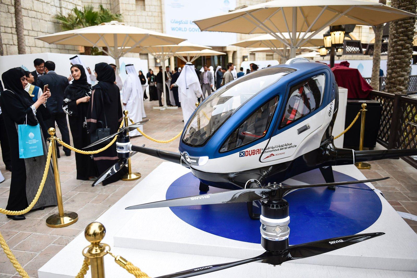 亿航回应载人无人机184与迪拜合作:确有此事 公开试飞视频