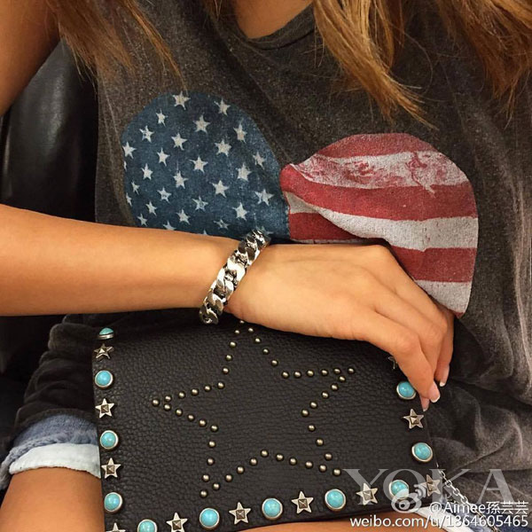 8岁入手钻石12岁背上Chanel 这位名媛才是时尚代名词