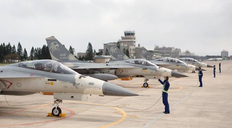 台湾想采购210架F35战机?或脱离老旧潜艇升级