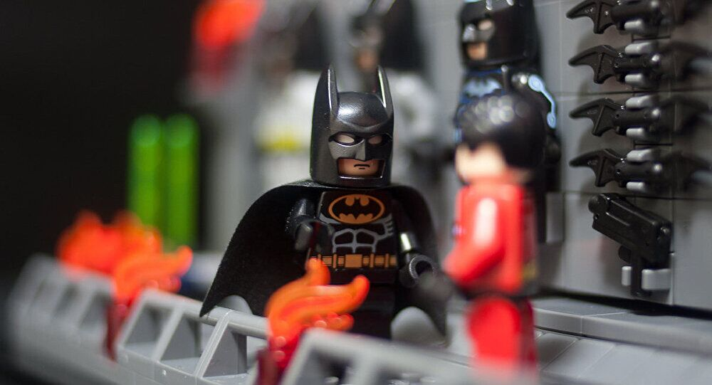想体验当蝙蝠侠的感觉?快拿起Iphone呼叫Siri