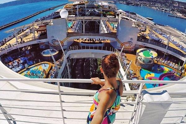 加拿大杂技女演员揭秘世界最大邮轮上生活