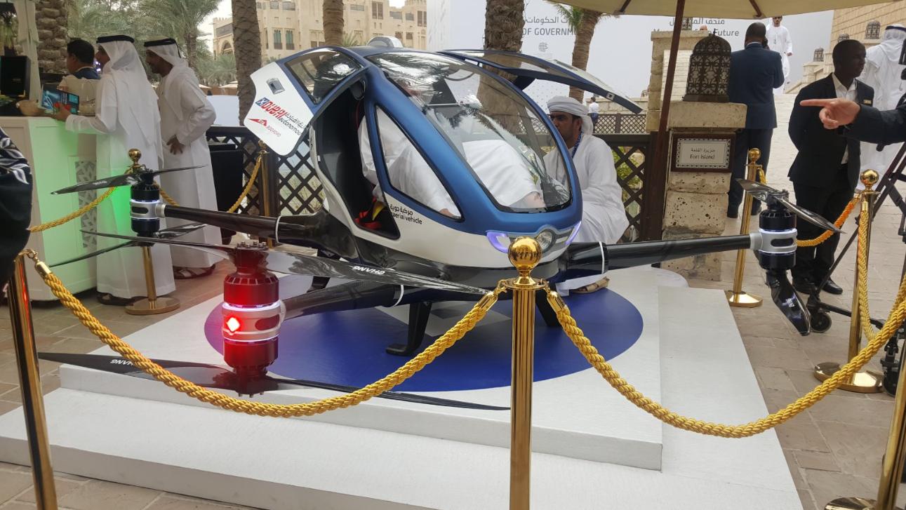 """迪拜土豪打""""飞的""""招黑?业内质疑载人飞行器安全性"""