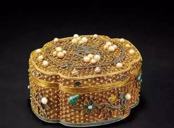 从嫁妆到收藏 历代珠宝首饰盒的前世今生