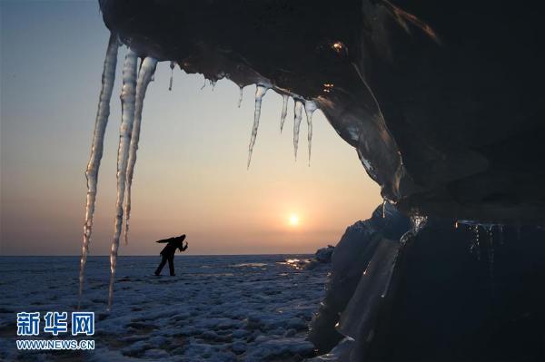 中俄界湖兴凯湖:壮美冰排映夕阳(高清组图)