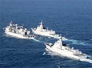 补给舰南海同时为2艘大驱补给