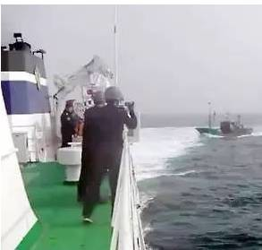 900发!中国渔船又挨韩国海警子弹!