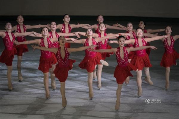 朝鲜花样滑冰女运动员受追捧 网友:天然美