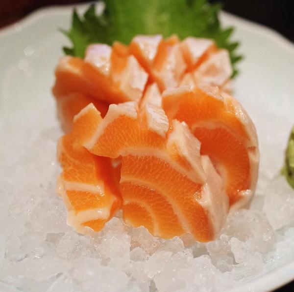 #晚安美食#三文鱼你纹理怎么这么好看! 