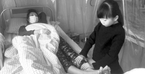 八岁女孩为救母增肥捐髓 最多一天吃6顿饭