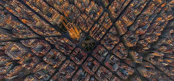 上帝的视角:建筑在地球上的钢筋水泥之花
