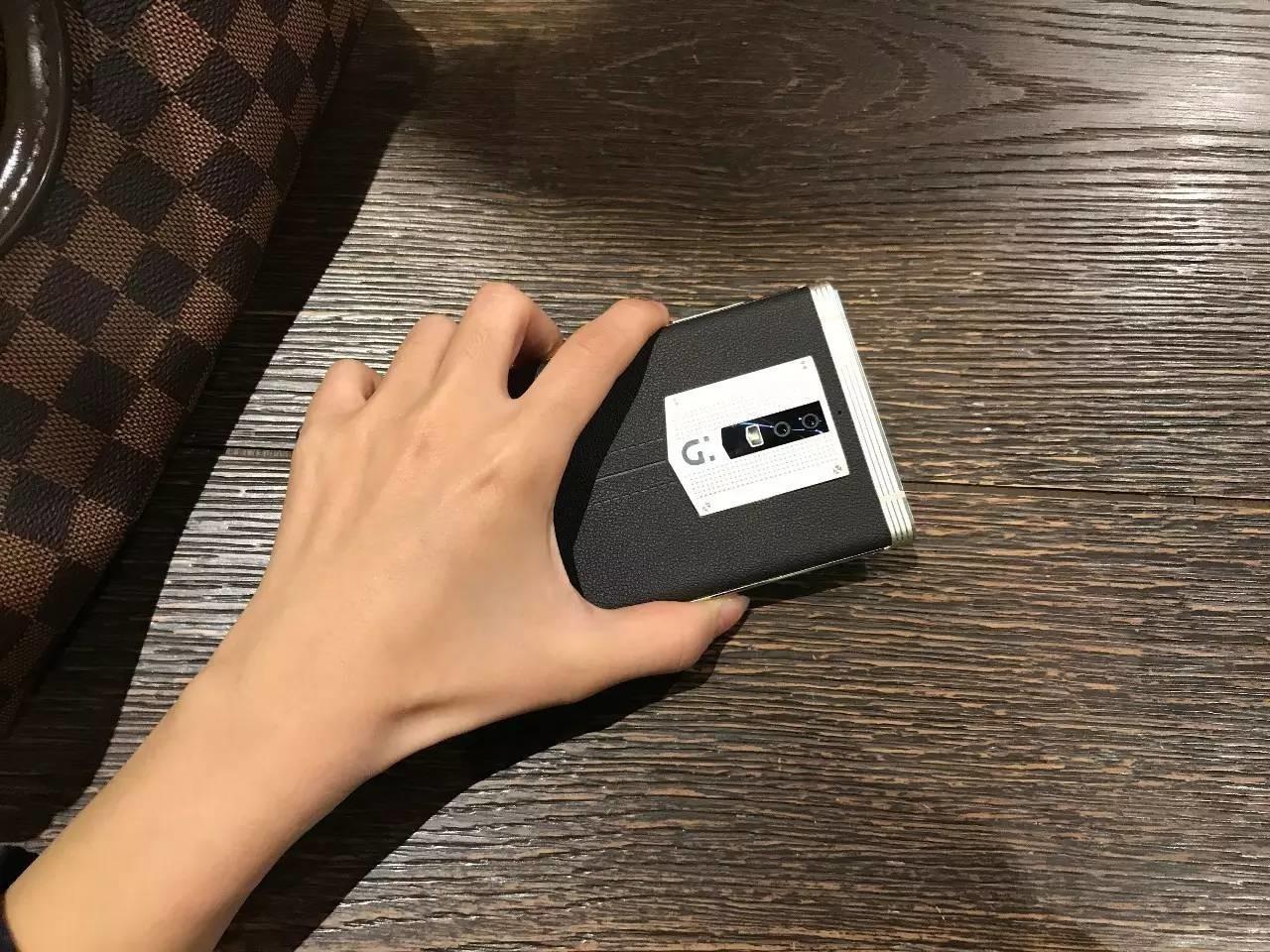 发现一个单手操作金立M2017的隐藏技巧,分享给大家
