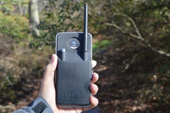 模块化手机能怎么玩?联想Moto Z一秒变身对讲机