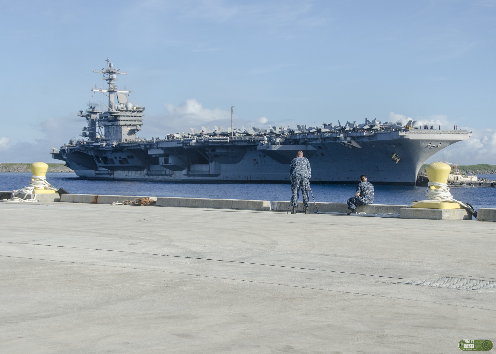 美核动力航母战斗群开进南海 被疑试探中国反应