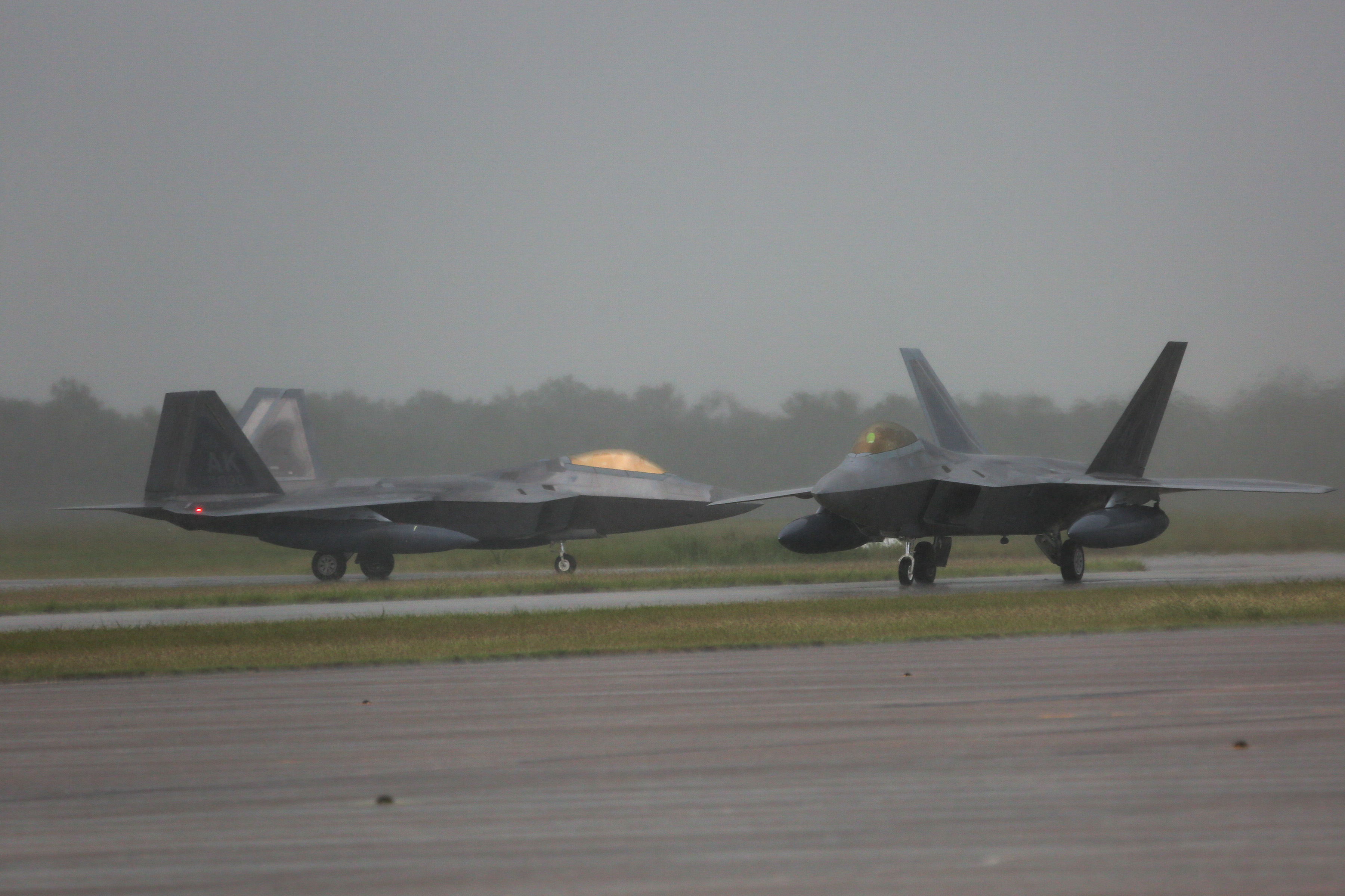 美军F22战机进驻澳大利亚 美媒直言是剑指中国