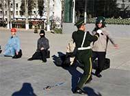 北京武警两会住地安保分队训练