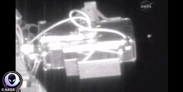 NASA被指掩盖外星人目击事件 删减含UFO视频