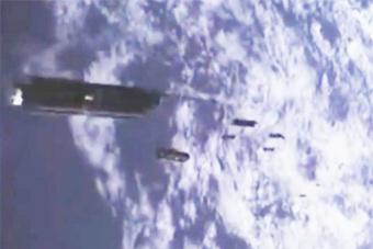 火箭视角看印度释放104颗卫星
