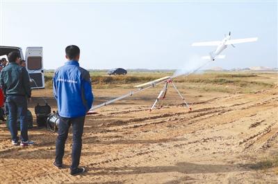 无人机+气垫船 无缝巡查护候鸟